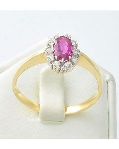 Rubin Ring 18K Gelbgold 10 Brillanten