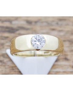 Ring 14 K Gelbgold Brillant ca. 0,40 ct P1 3,2 g Größe 47
